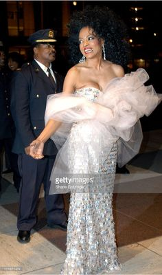Diana Ross during Jazz At Lincoln Center's Annual Fall Gala at Lincoln Center in New York City, New York, United States. Diana Ross Supremes, Galas Photo, Jazz At Lincoln Center, Chabby Chic, Black Artists, Celebs, Celebrities, Lady And Gentlemen, Classy Women