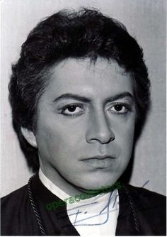 Araiza, Francisco - signed photo in unknown role
