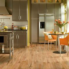 Bruce Plano Oak Country Natural 3/4 in. Thick x 2-1/4 in. Wide x Random Length Solid Hardwood Flooring (22 sq. ft. / case)