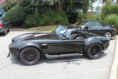 Porra de Lamborghini! Se o Batman existisse de verdade teria um Shelby Cobra!
