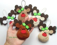 Set of 5 felt reindeers Christmas decoration by DevelopingToys