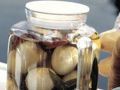 Soleier ist ein Rezept mit frischen Zutaten aus der Kategorie Eier. Probieren Sie dieses und weitere Rezepte von EAT SMARTER!