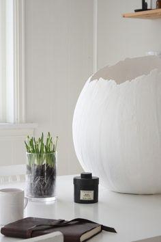 DIY giant Papier Mâché eggs