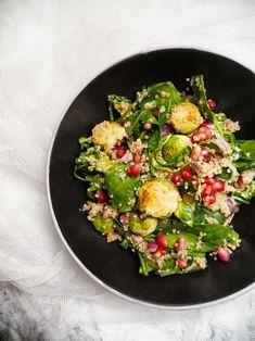 Salát se špenátem, kapustičkami a quinoou
