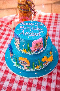 birthday cake bubble guppies for my baby boys 2nd bday I think....
