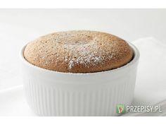 Rozgrzej piekarnik do 240 °C. Wsyp mąkę kukurydzianą do miski, dodaj 2 łyżki mleka. Resztę mlek...