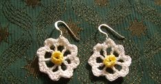 PDF version  These dainty earrings are so easy to make and look really pretty, especially if the sun is shining. I suddenly felt inspired t...