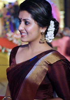Sport Photoshoot Women Ideas For 2019 Beautiful Girl Indian, Most Beautiful Indian Actress, Beautiful Saree, Beautiful Bollywood Actress, Beautiful Actresses, Indian Goddess, Girl Trends, Indian Beauty Saree, Indian Natural Beauty