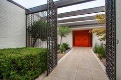 Mid century modern home by Lee Roy Hahnfeld