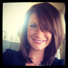 Love her bang and layers! Just a little bit longer =) on my way Shoulder length hair!