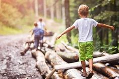 Frühlingsferien ahoi! 7 tolle Aktivitäten mit Kindern in den Schulferien Winter Cabin, Cabins In The Woods, Kids Playing, Outdoor, Google Search, School Holidays, Weather Vanes, Family Life, Road Trip Destinations