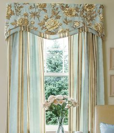 Jacquard Peony Lined Layered Scalloped Valance - Country Cur . Drapes And Blinds, Pleated Curtains, Modern Curtains, Window Curtains, Bedroom Drapes, Bedroom Windows, Curtain Styles, Curtain Designs, Window Coverings