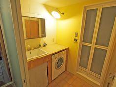 kanayon.mさんの洗面室の全体の様子『ミーレの洗濯機をビルトインした造作洗面台』(1700-6)