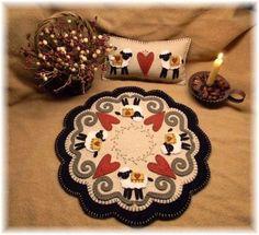 Hearts & Sheep Penny Rug/Candle mat/shelf pillow DIGITAL PATTERN                                                                                                                                                                                 Plus