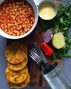 There is nothing better than having a little extra time in the morning to indulge yourself with a BIG breakfast! I brought back the Saltfish sweetcorn fritters which was complimented beautifully with cumin spiced baked beans. Yum! Share and like 😘 #foodphotography #foodlover #brunch #breakfast #f52grams #eeeeeats #forkyeah #instafood #onmyplate #glutenfree #brunch #feedfeed #picoftheday #healthy @ndudu_by_fafa @loveyourtresses