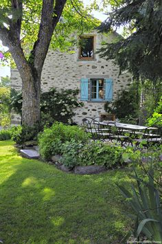 Detente Jardin - exquisite french country cottage
