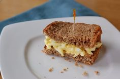 A list of sandwich ideas that don't include lunch meat, some hot, some cold. (love me some egg salad!) Some are vegetarian and even vegan, many others are not (lot of bacon on this list).