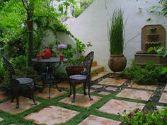Spanish Style Homes with Courtyards | Beverly Hills Duplex-Spanish style Intimate courtyard