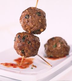 Thai Beef Meatballs Recipe by Canadian Beef Sauce Thai, Beef Meatball Recipe, Dry Bread Crumbs, How To Cook Meatballs, Beef Sirloin, Canned Coconut Milk, Hors D'oeuvres, Rice Vinegar, Skewers