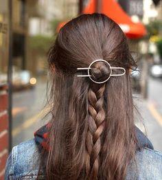 Hammered Circle Hair Barrette & Fork by Kapelika Metal Hair Accessories on Scoutmob Copper Hair, Metal Hair, Hair Clasp, Creative Hairstyles, Hair Sticks, Hair Accessories For Women, Hair Barrettes, Headbands, Up Girl
