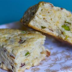 peppery-bacon-and-cheddar-scones/