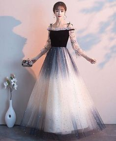 Description Description Black tulle long prom dress, black tulle evening dress, pictures of this product are pictures of the real object. Ombre Prom Dresses, Black Prom Dresses, Prom Dresses With Sleeves, Beautiful Prom Dresses, Elegant Dresses, Pretty Dresses, Dress Black, Sweet 16 Dresses Blue, High Low Evening Dresses