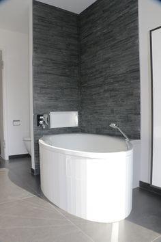 Mosaik Im Badezimmer Wirkt Modern, Elegant Und Liegt Mega Im Trend #mosaik # Badezimmer