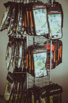 Brasilialainen Poker on maalivahdin hanskojen valmistaja nro1. Tasapelin valikoimasta löydät ison määrän Pokerin hanskoja. Tutustu!  http://www.tasapeli.fi/category/46/maalivahdin-hanskat