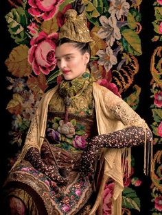 Frida inspiration . - Have the presence of a model, even if you don't look like one! Click the pic...