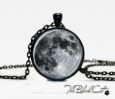 MOON PENDANT Moon Pendant  Space  Galaxy Grey Moon  Jewelry Necklace for men  Art Gifts for Her op Etsy, 9,83 €