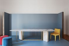 Plinto table by Meri