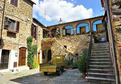 Quaint corner of beautiful Montemerano (Tuscany). Italy Magazine, Travel Channel, Lonely Planet, Oh The Places You'll Go, Boruto, Wonderful Places, Tuscany, Corner, Mansions