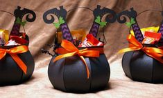 Halloween, that is. Made some fun little cauldron treat holders f… It's here! Halloween, that is. Made some fun little cauldron treat holders for giving out this year… but unfortunately I only had time t… Dulces Halloween, Bonbon Halloween, Halloween Candy Bags, Halloween Paper Crafts, Adornos Halloween, Manualidades Halloween, Diy Halloween Decorations, Halloween Treat Holders, Halloween Treats For Kids