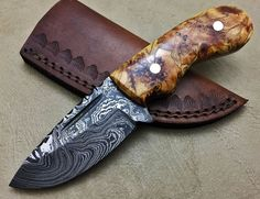 damascus Knife, Damascus Hunting Knives, Damascus Pocket Knives, Bush craft knives, Damascus Bowies axes straight razors and accessories,