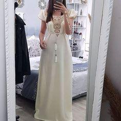 Simple Dresses, Nice Dresses, African Fashion Dresses, Fashion Outfits, Morrocan Dress, Kurta Neck Design, Indian Beauty Saree, Abaya Fashion, Satin Dresses