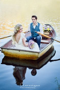 Photoshoot of a happy couple...inspired by Tangled!  This is amazing and adorable and I want to get married!