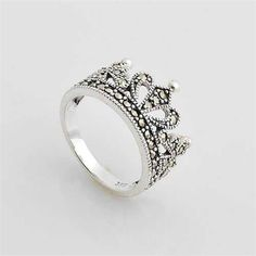 Crown-Design fashion ring