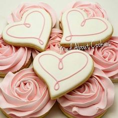 Daint Heart Cookie Darcy777 I detest frosting on cookies and too much of it on cake but I like the looks of the roses.