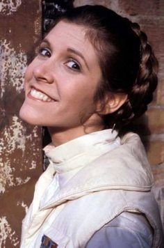 Star Wars: The Empire Strikes Back - Carrie Fisher as Princess Leia Star Wars Cast, Leia Star Wars, Star Wars Film, Star Trek, Carrie Fisher, Cuadros Star Wars, Barbeau, Han And Leia, Star Wars Pictures