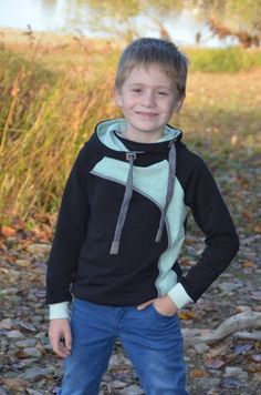 Sewing For Kids, Matilda, Kids And Parenting, Kids Outfits, Sewing Patterns, About Me Blog, Baby Boy, Mens Fashion, Sweatshirts