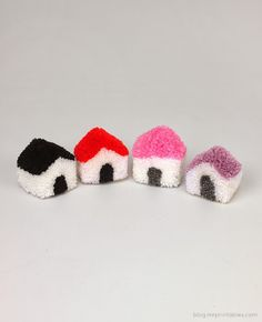 DIY Pom Pom House - The Idea King