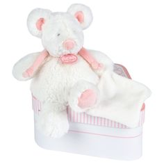 No one can resist this adorable mouse! This is the perfect toy for a child to carry around everywhere!
