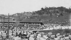 Baguio Market, Where could this be in Baguio? Philippines Culture, Baguio City, Iphone Photography, Pinoy, Vintage Pictures, Manila, 1920s, Street Photography, Dolores Park