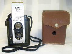VINTAGE ARGUS SEVENTY-FIVE c1950-60's CAMERA WITH  ORIGINAL VINTAGE CASE Listed on eBay starting at $39.98