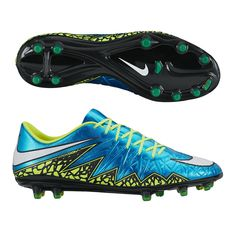 These top end soccer cleats feature the colors that will be worn by the US Women's National Team at this summer's Women's World Cup. The Nike Women's Hypervenom Phinish soccer cleats feature a great bright blue and volt color and are made for deadly agility. Get your pair of women's soccer cleats today at SoccerCorner.com