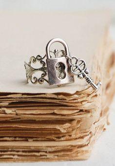 Lock & Key RING Steampunk Silver Filigree Vintage Style Romance Goth Fantasy Fairy Tale