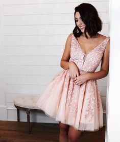 Pink v neck tulle lac applique short prom dress 4f559d4f7