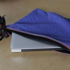 Oversize Laptop clutch bag - ROYAL BLUE PEBBLE Clare Vivier  MORE COLORS AVAILABLE..