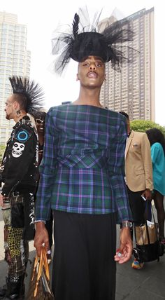 7d1c3650e4694 at and September 2013 at Lincoln Center. Love his hat and plaid top. Nyc ...