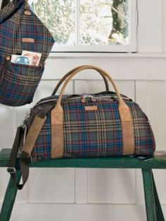 the perfect weekend bag.  i would buy it if i ever actually was able to go on weekend getaways.
